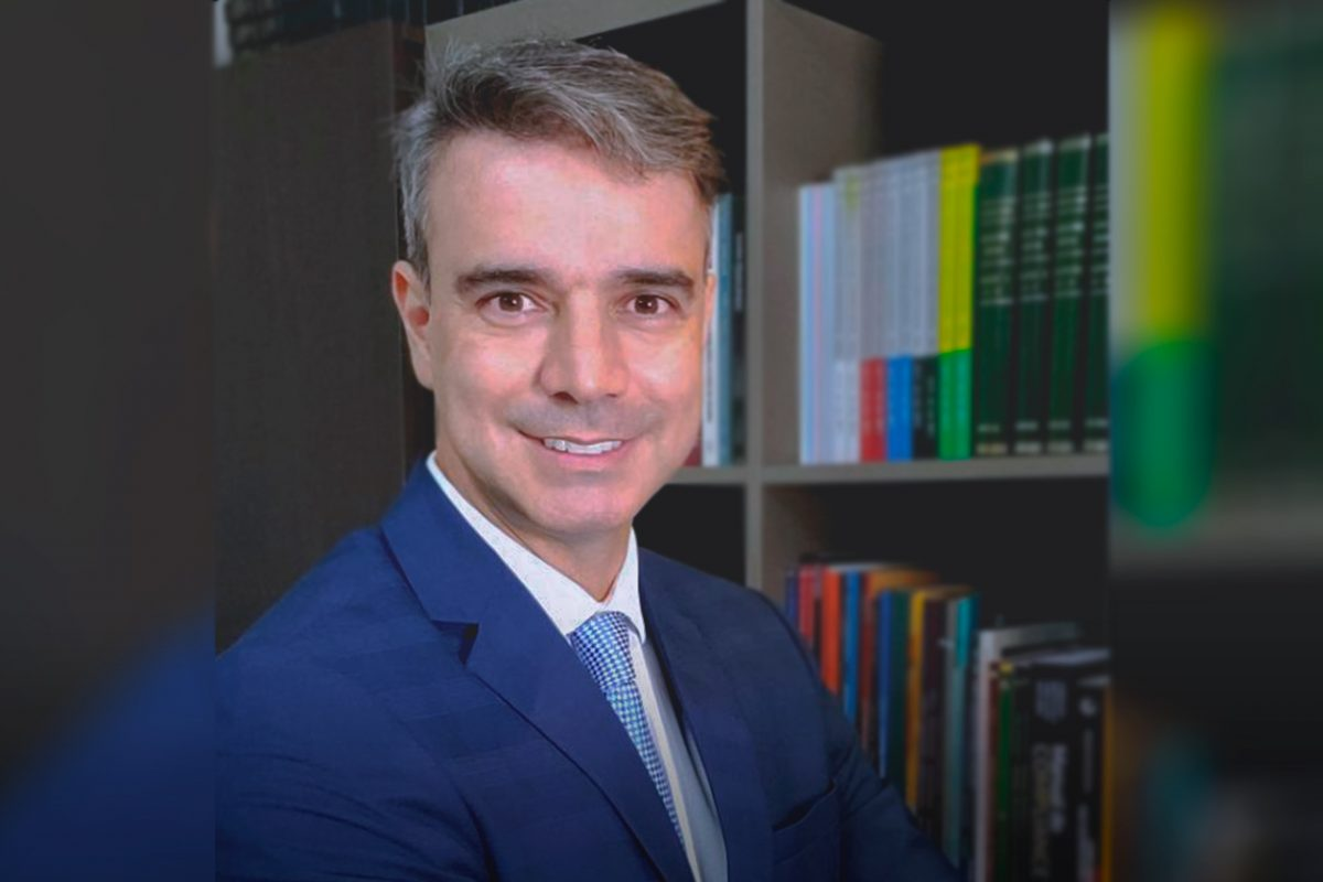 Adv. Nestor Fidelis